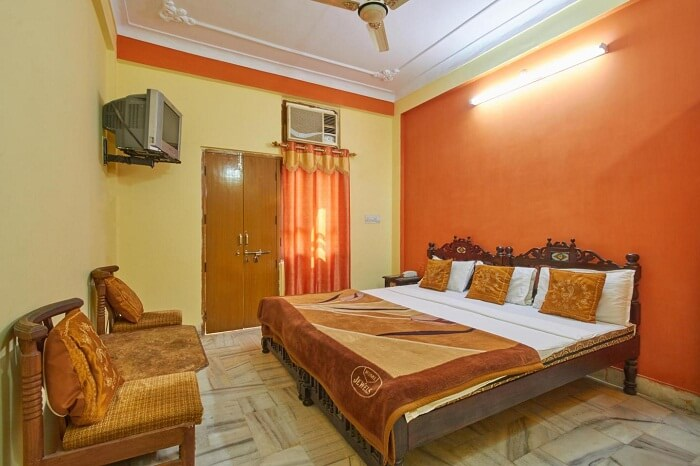 A shot of one of the economy rooms at the Pushkar Lake Palace