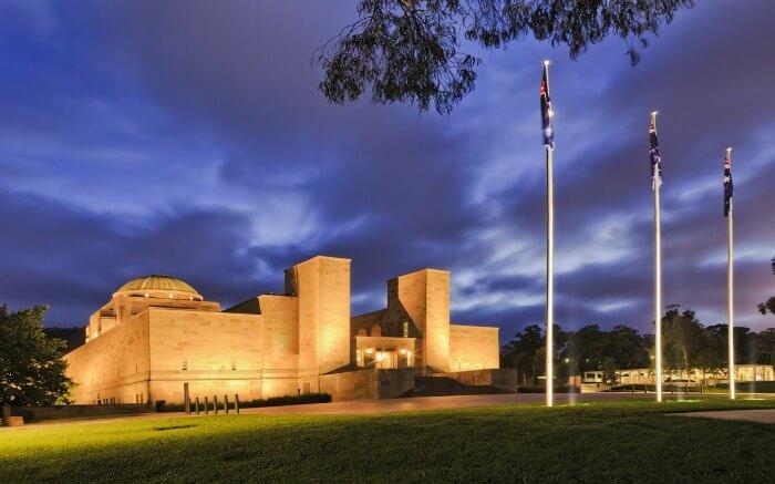 Australian National War Memorial at night