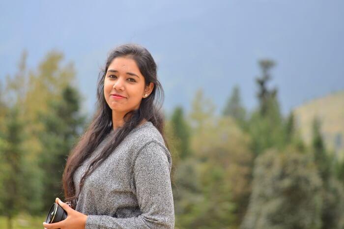 Avni posing for the camera in Manali