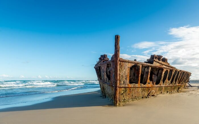 ocean liner that washed away on Fraser Island in 1935