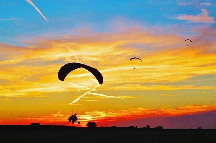 Tourists try their hands on paramotoring in Jaisalmer