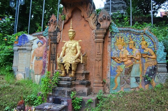 History through architecture in Cambodia