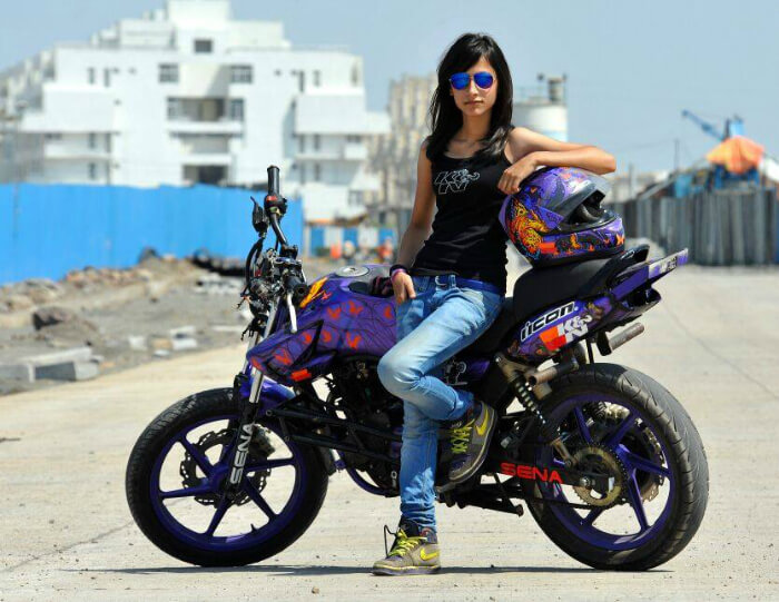 anam hashim with her bike