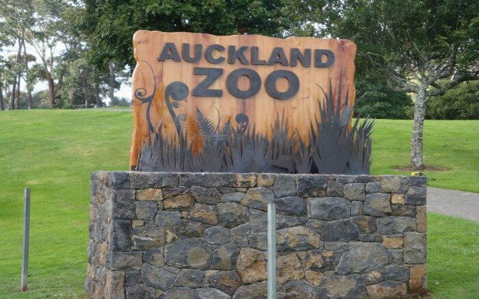 Auckland Zoo signboard