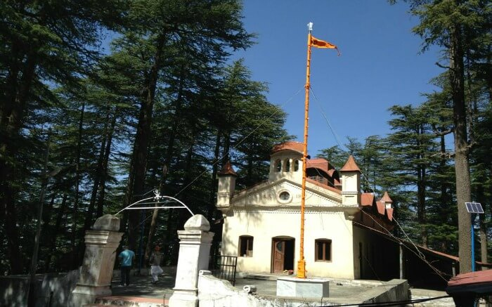Front view of Gurudwara Sahib, which is among the top Chail tourist attractions