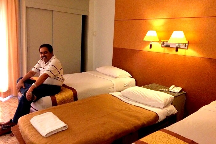 Alok taking some rest in the hotel