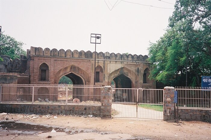 The preserved building of Kashmiri Gate in Shajahanabad