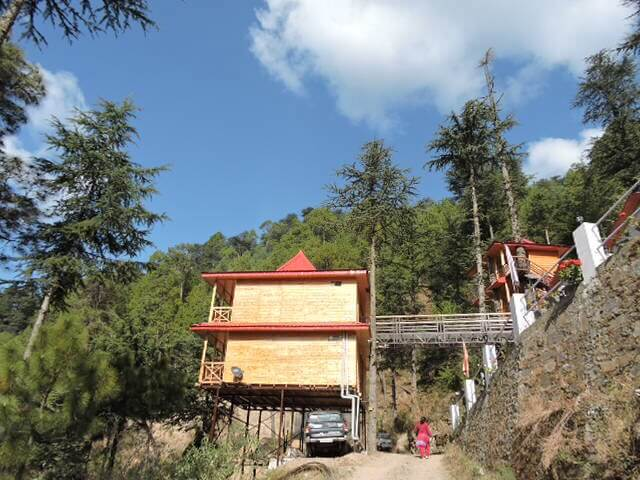 Village_Inn_cottage_in_Mahog_village,Chail,_Himachal_Pradesh