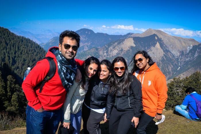 akanksha & her friends at jalori pass