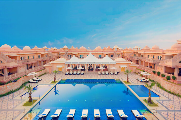 luxurious resorts near and in gurgaon