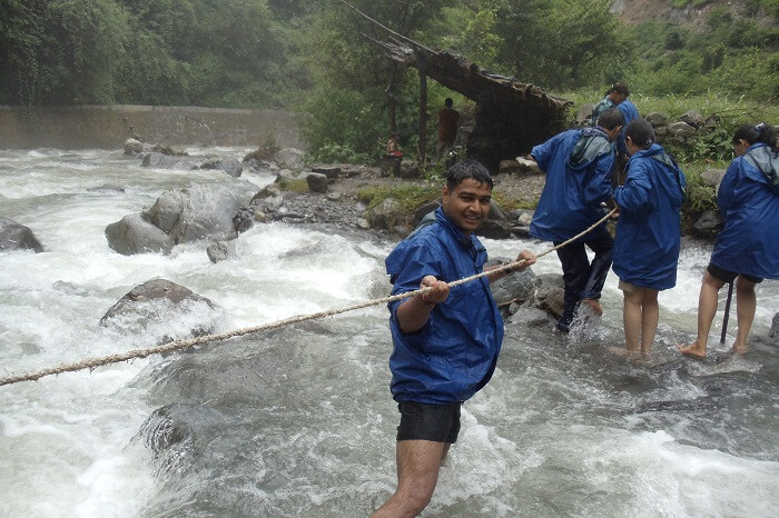 Adventure junkies trying river crossing at Chakrata