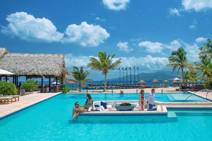 Couples at the Sandals La Source resort at Grenada