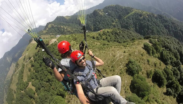 paragliding over the landscapes of bir billing