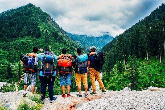 A group of travelers in Kheerganga near Kasol