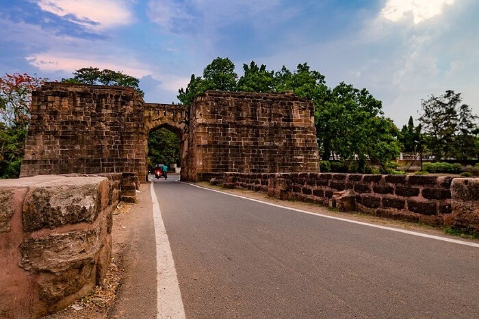 The road leading to the Barabati Fort in Cuttack