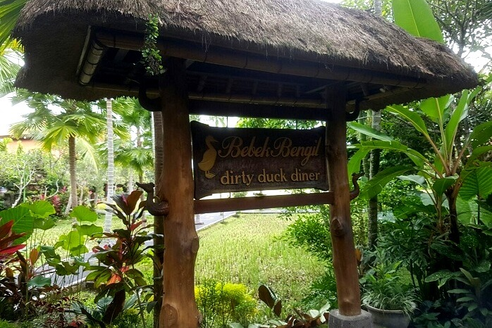 Balinese restaurant into the woods