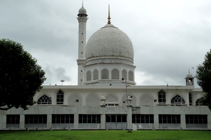 10 mosques in india that exhibit the medieval architecture