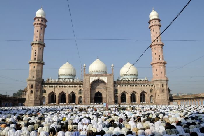 People offering namaz in front of Taj-ul-Masjid in Bhopal