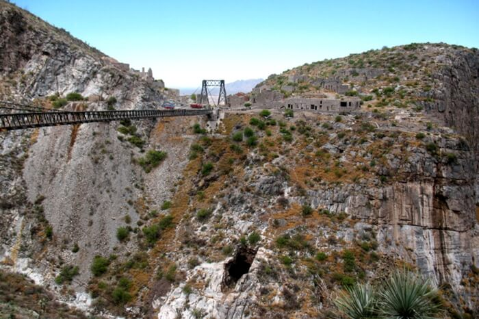 Puente de Ojuela in the ghost town of México