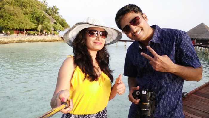 kishor & his wife taking selfie on honeymoon in maldives