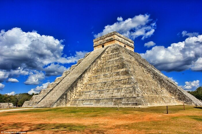 Mayan Pyramid of Kukulkan at Chichen Itza, Mexico
