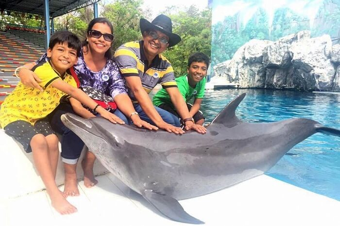 parveen and his family in bangkok