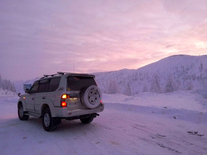 Nidhis vehicle of choice for the expedition Toyota Land Cruiser