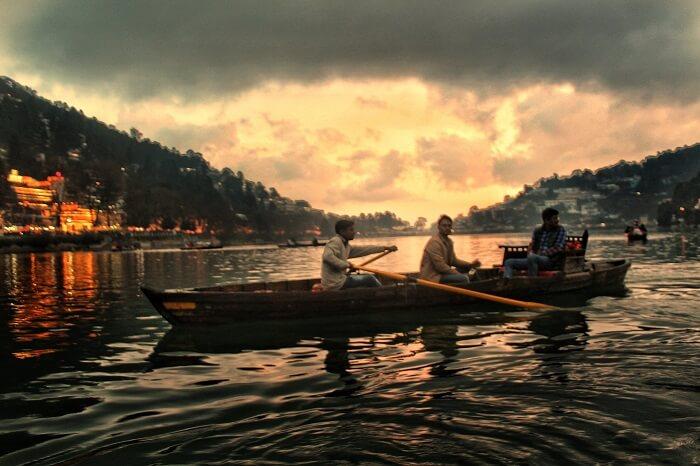 Scenic backdrop of Naini lake