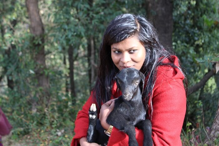 making friends on dhanaulti trek