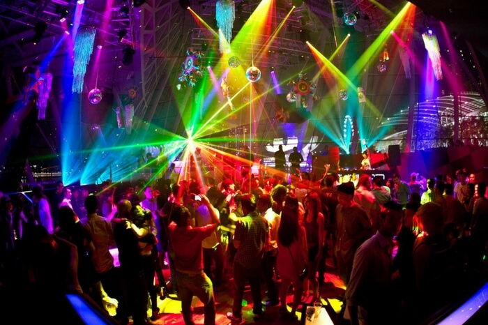 People enjoying Singapore nightlife at Marina Bay Sands Club