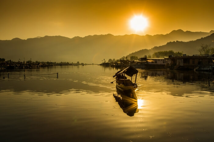 Sunset view of Dal Lake in kashmir