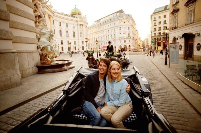 romantic couple in Vienna