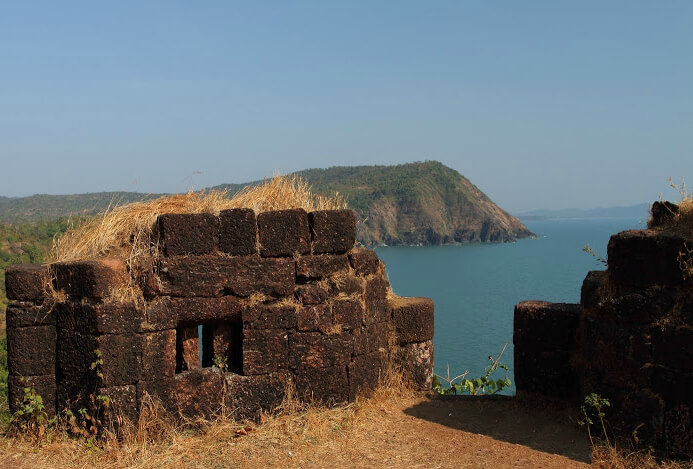 hang out at the cabo de rama fort