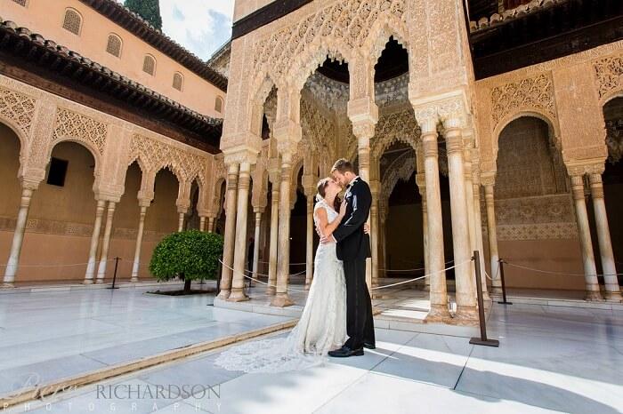 honeymoon couple in granada