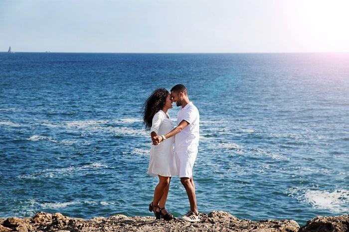 honeymoon couple in lisbon