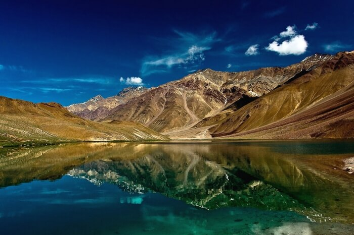 Enchanting view of Chandratal Lake in Spiti