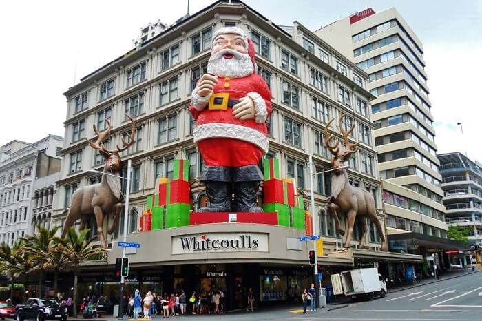 Christmas facade at Whitcoulls on Queenstreet in Auckland