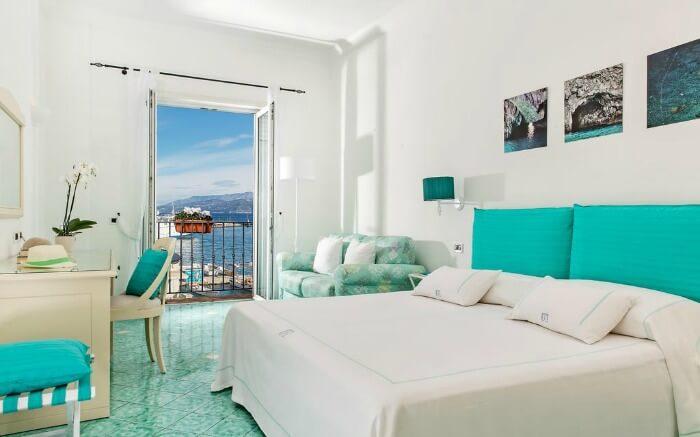 A room in Hotel Relais Maresca
