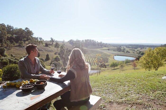 Honeymoon couple in Hunter Valley, Sydney