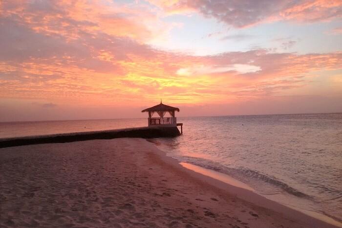 sunset at giraavaru island