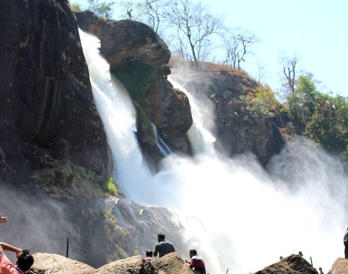 stunning waterfalls in kerala