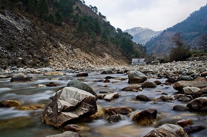 Tirthan valley and river