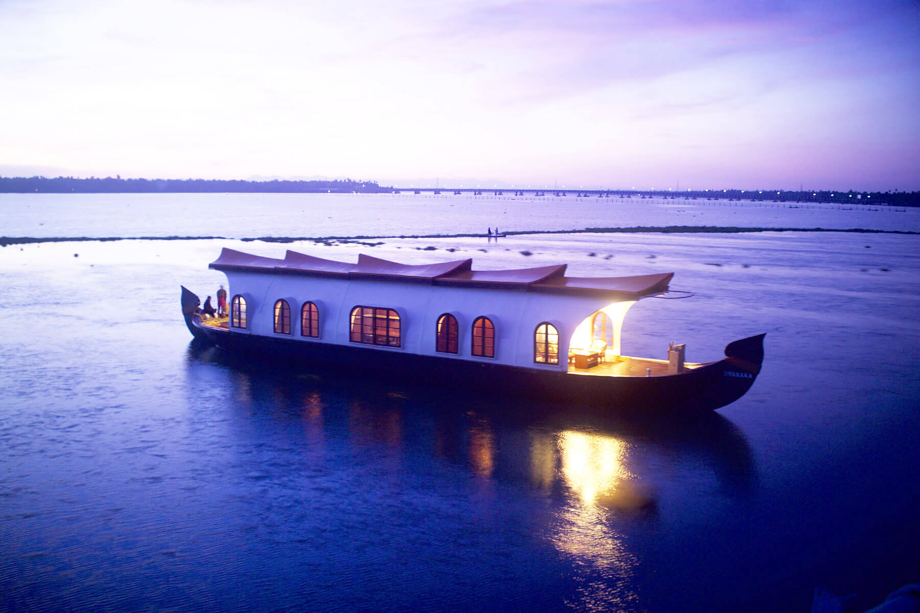 a house boat on Alleppey backwaters