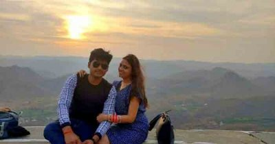 Ashish with his wife in Mount Abu in Udaipur