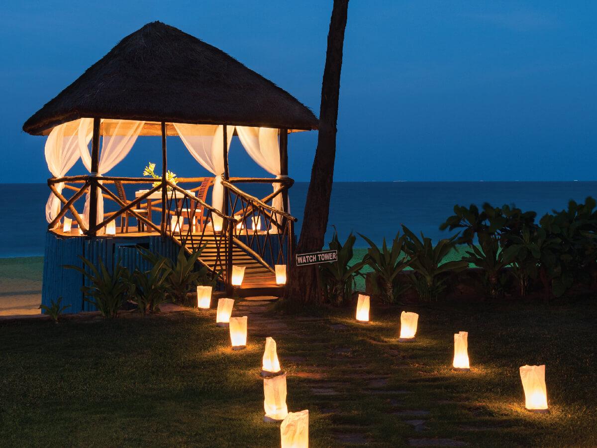 romantic dinner in a shack style restaurant by Vivanta Taj