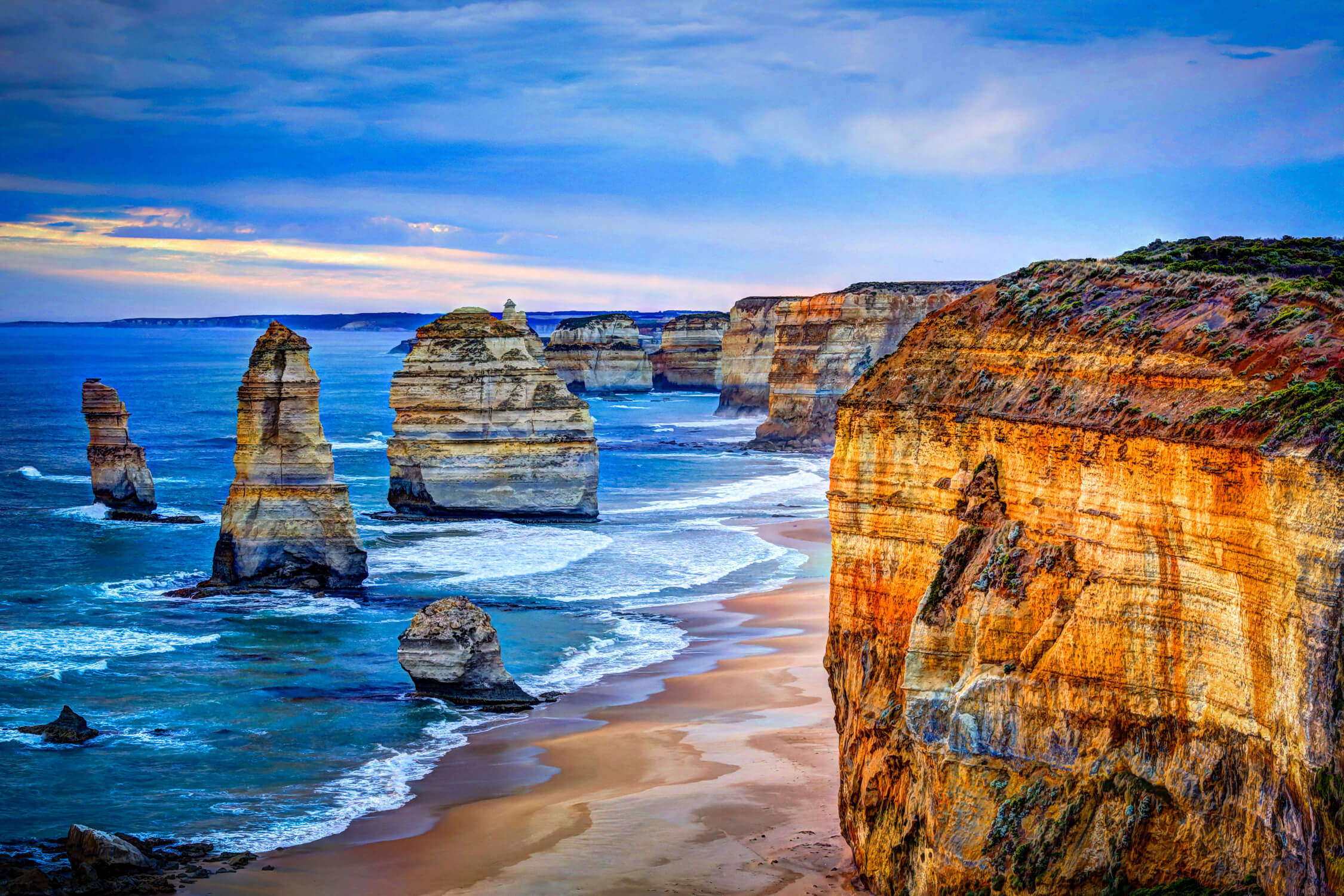 blue waters at Apostles at Great Ocean Road Melbourne