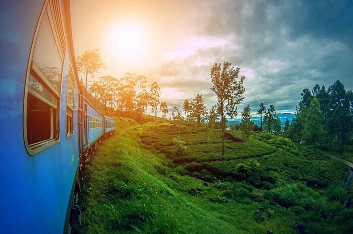take the train ride to Ella in Sri Lanka