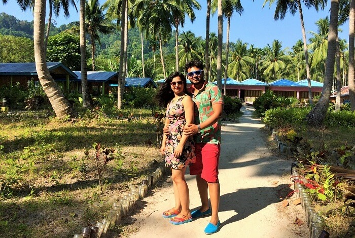 romantic couple honeymooning in Andaman