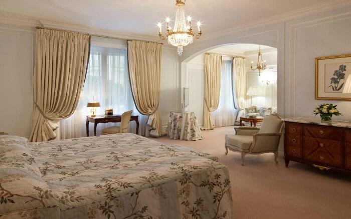 A room in Le Bristol