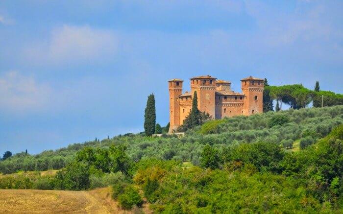 Castello Delle Quattro Torra in Sienna